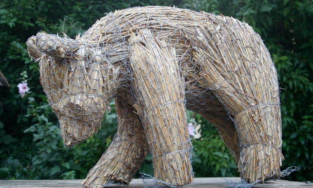 straw-store-bear-02