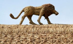 straw-store-lion-01